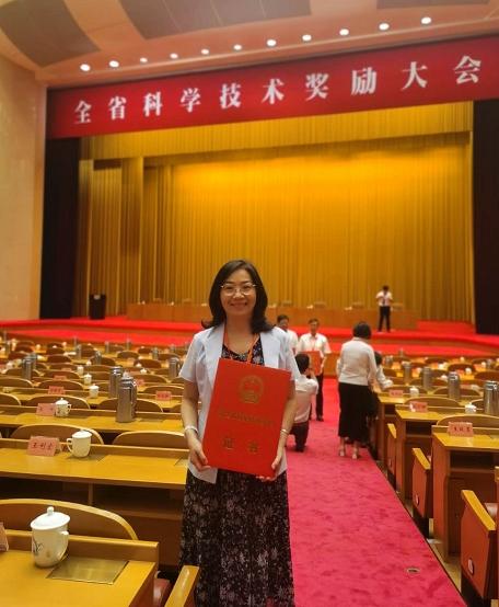 我校王向红教授领衔的温州市高水平创新团队荣获省科技进步一等奖